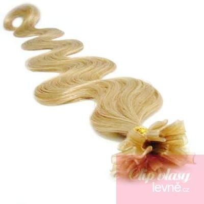 Vlnité vlasy k prodlužování keratinem 50cm - přírodní blond 68fca303cd9