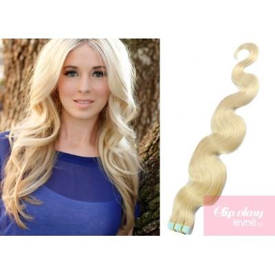 Vlnité vlasy pro metodu TapeX / Tape Hair / Tape IN 60cm - platina