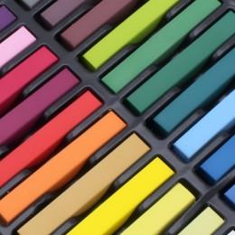 Moderní barevné křídy na vlasy